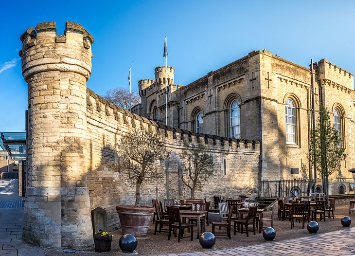 England-oxford-castle-with-tables
